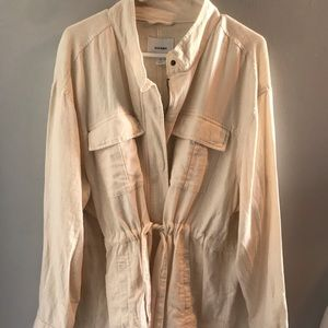 Women's Old Navy cream colored jacket